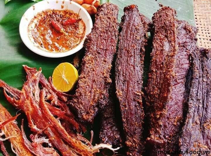 Thịt trâu gác bếp là gì? Những lưu ý khi ăn thịt trâu gác bếp